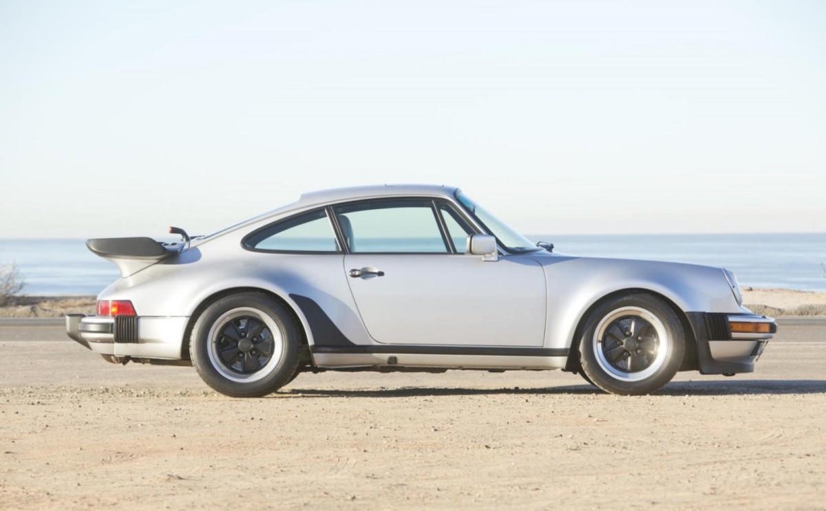 Porsche-911-Turbo-17-1600x990