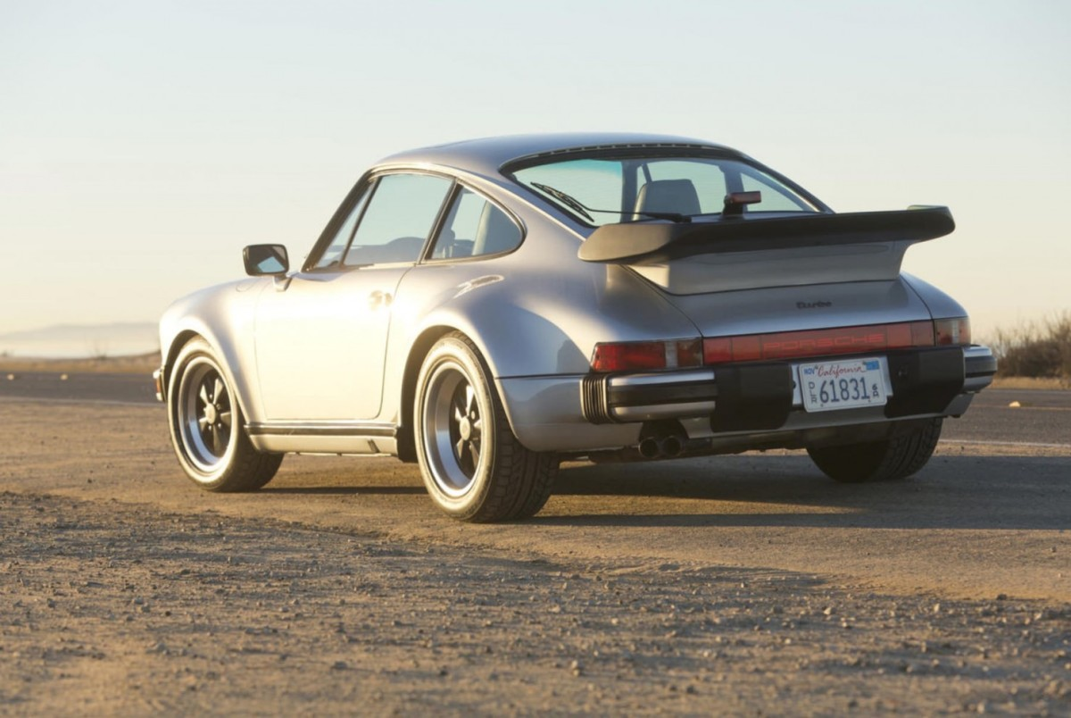 Porsche-911-Turbo-19-1480x991