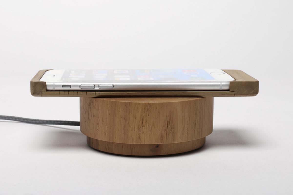 Iphone6-sleeve_-Walnut-Pebble_1024x1024
