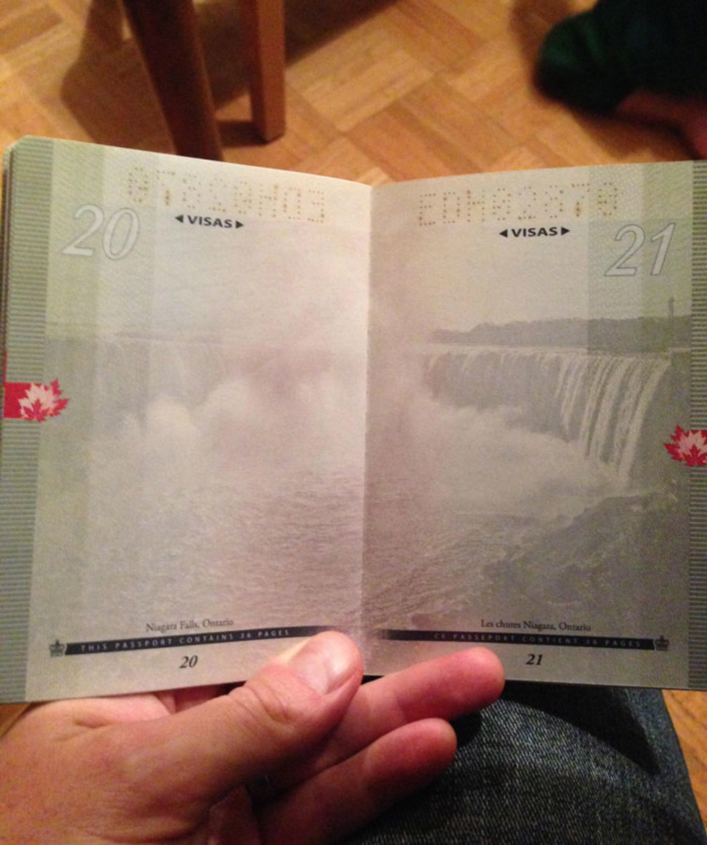 new-canadian-passport-uv-light-images-11