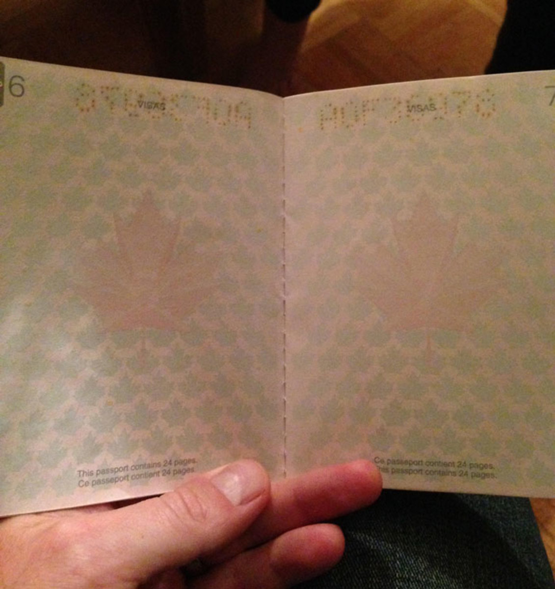 new-canadian-passport-uv-light-images-1