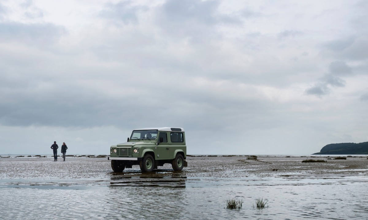 Land-Rover-Defender-Heritage-2-1480x886