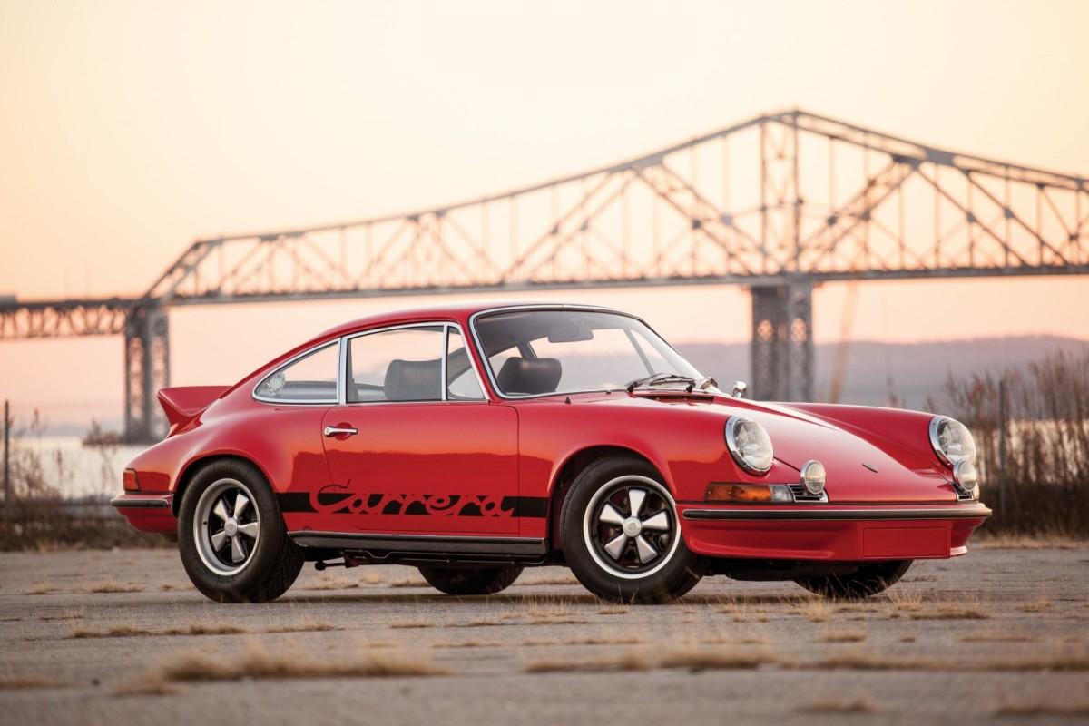 Porsche-911-RS-1-1600x1067