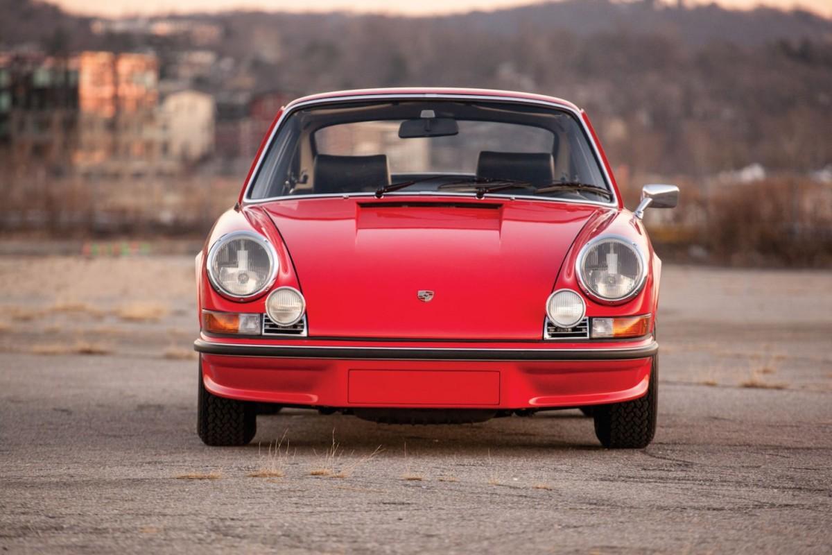 Porsche-911-RS-6-1480x987