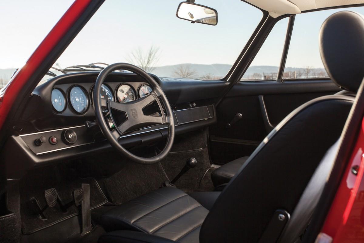 Porsche-911-RS-4-1480x987