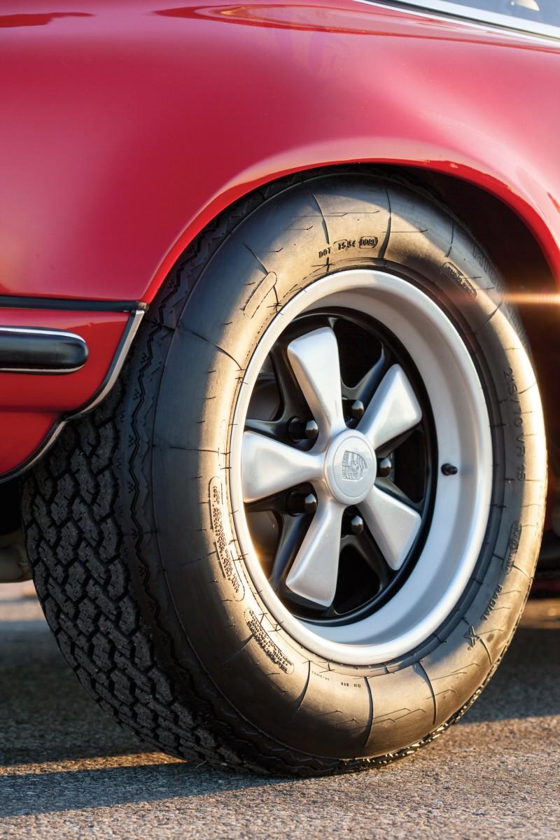 Porsche-911-RS-9-1480x2220