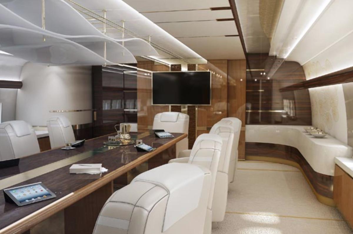747-8-VIP-5