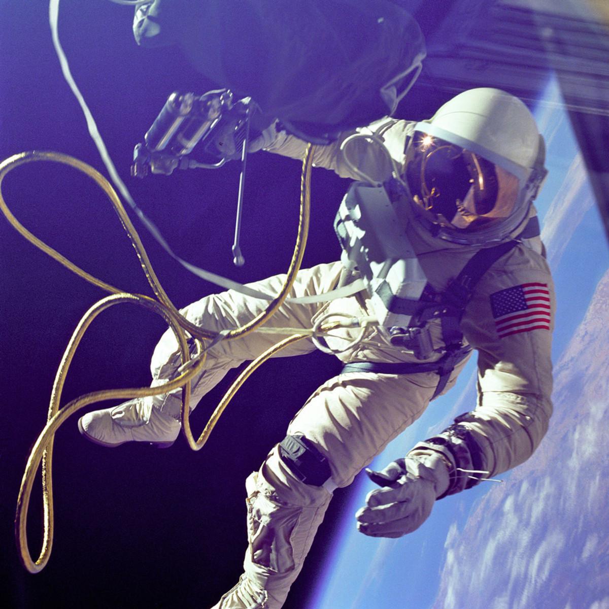 Gemini-4-Ed-White-Gear-Patrol-