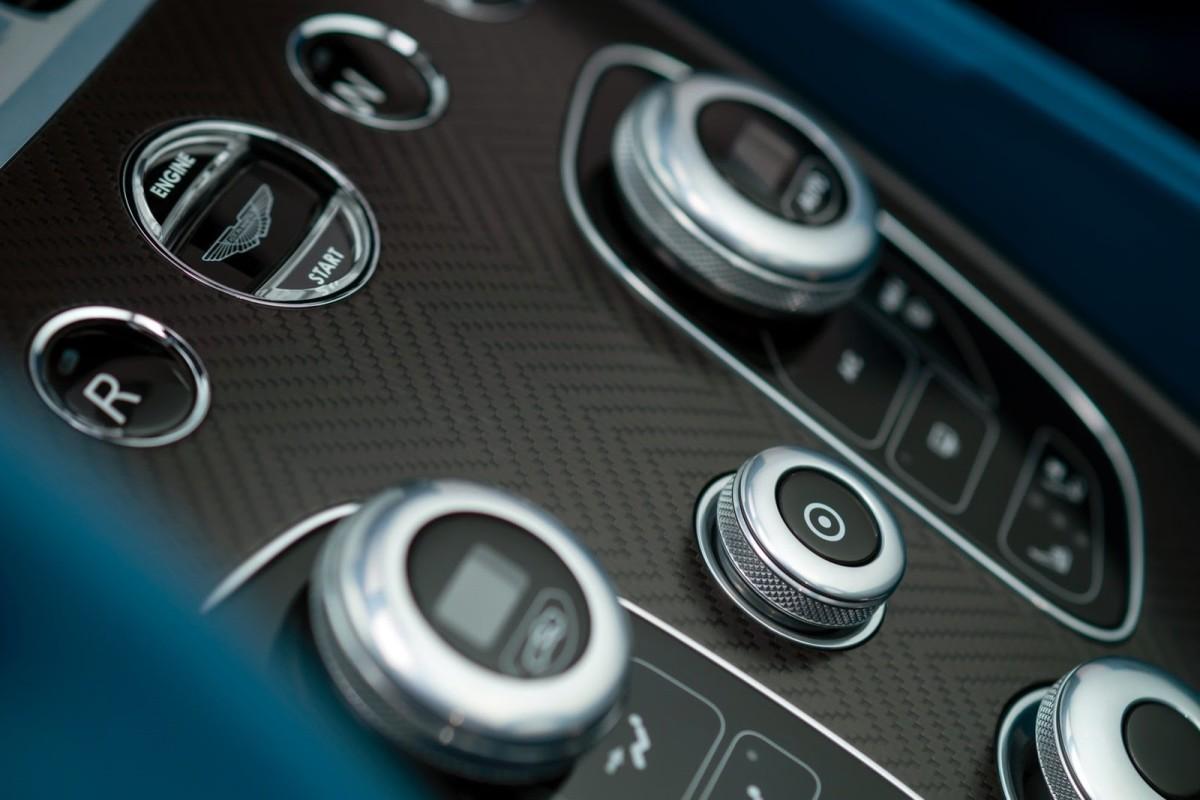 New-Aston-Martin-Vanquish-Volante-11[2]