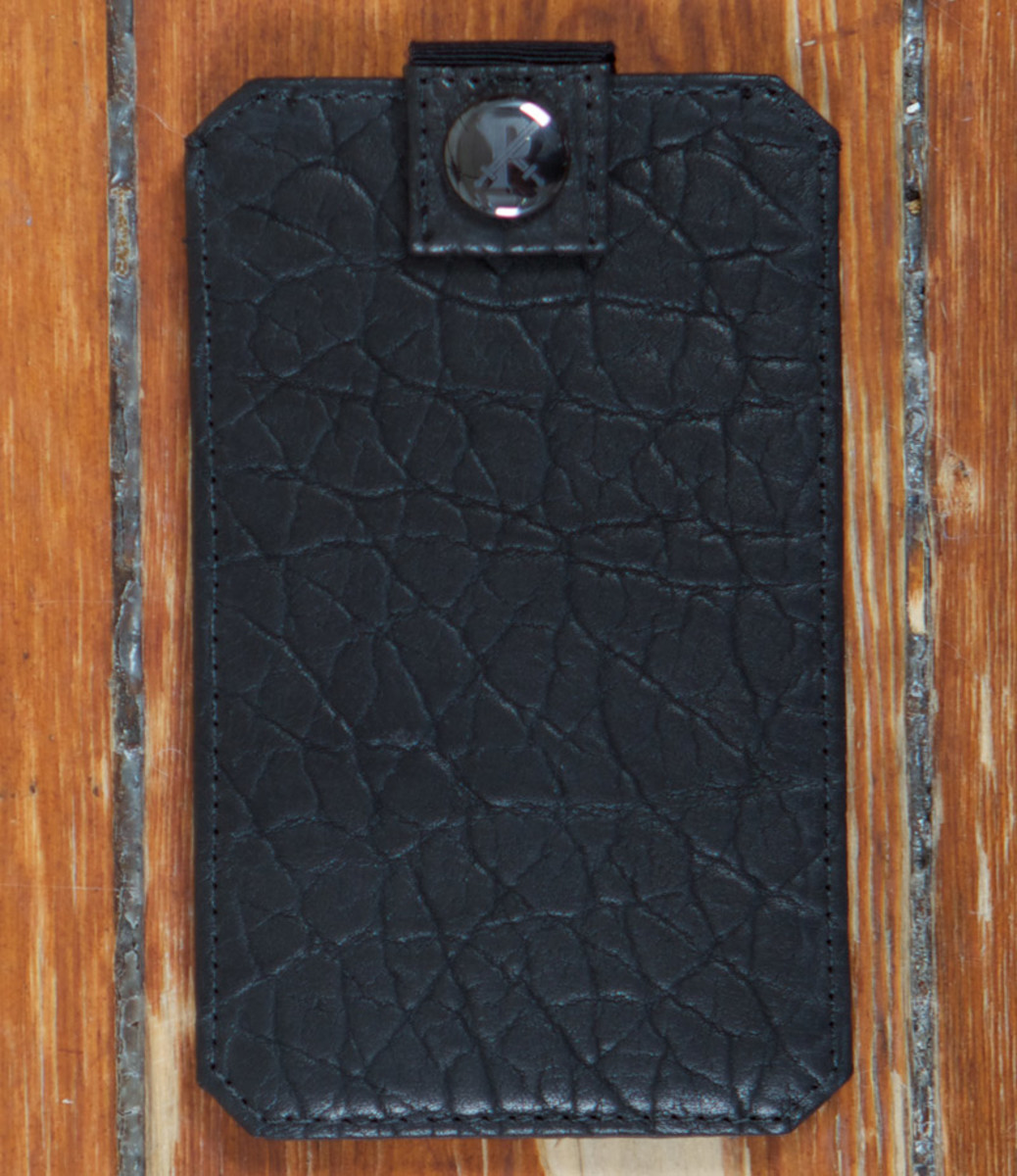 parabellum-fw12-iphone-sleeve-black-1