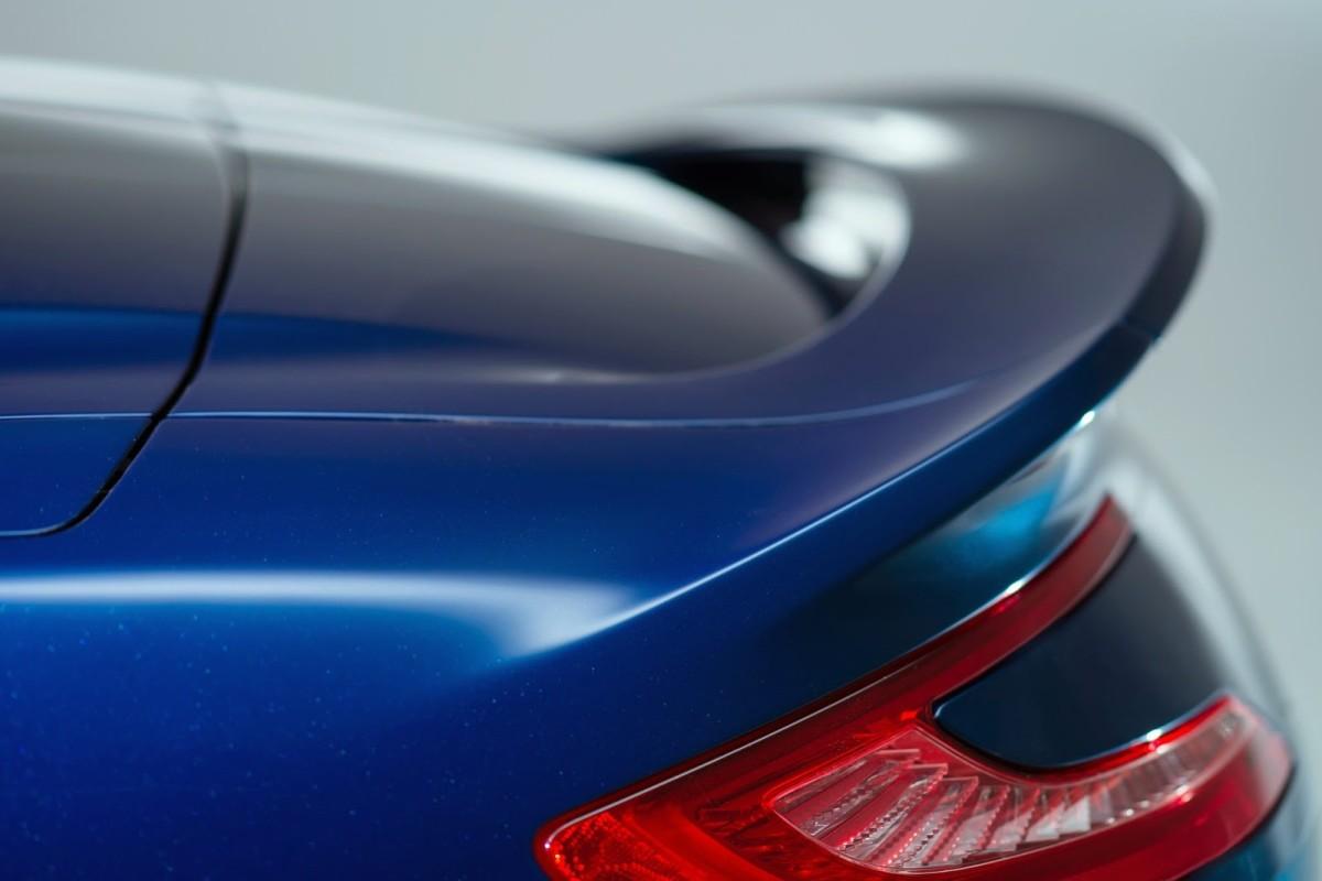 New-Aston-Martin-Vanquish-Volante-15[2]