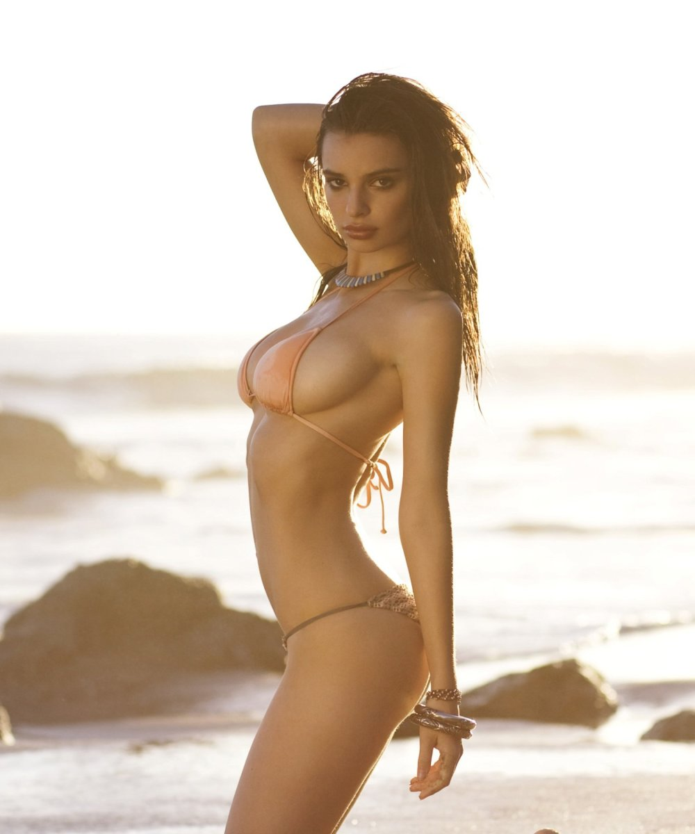 Emily-Ratajkowski-sexy-nude-sufline-bikini-photoshoot-2