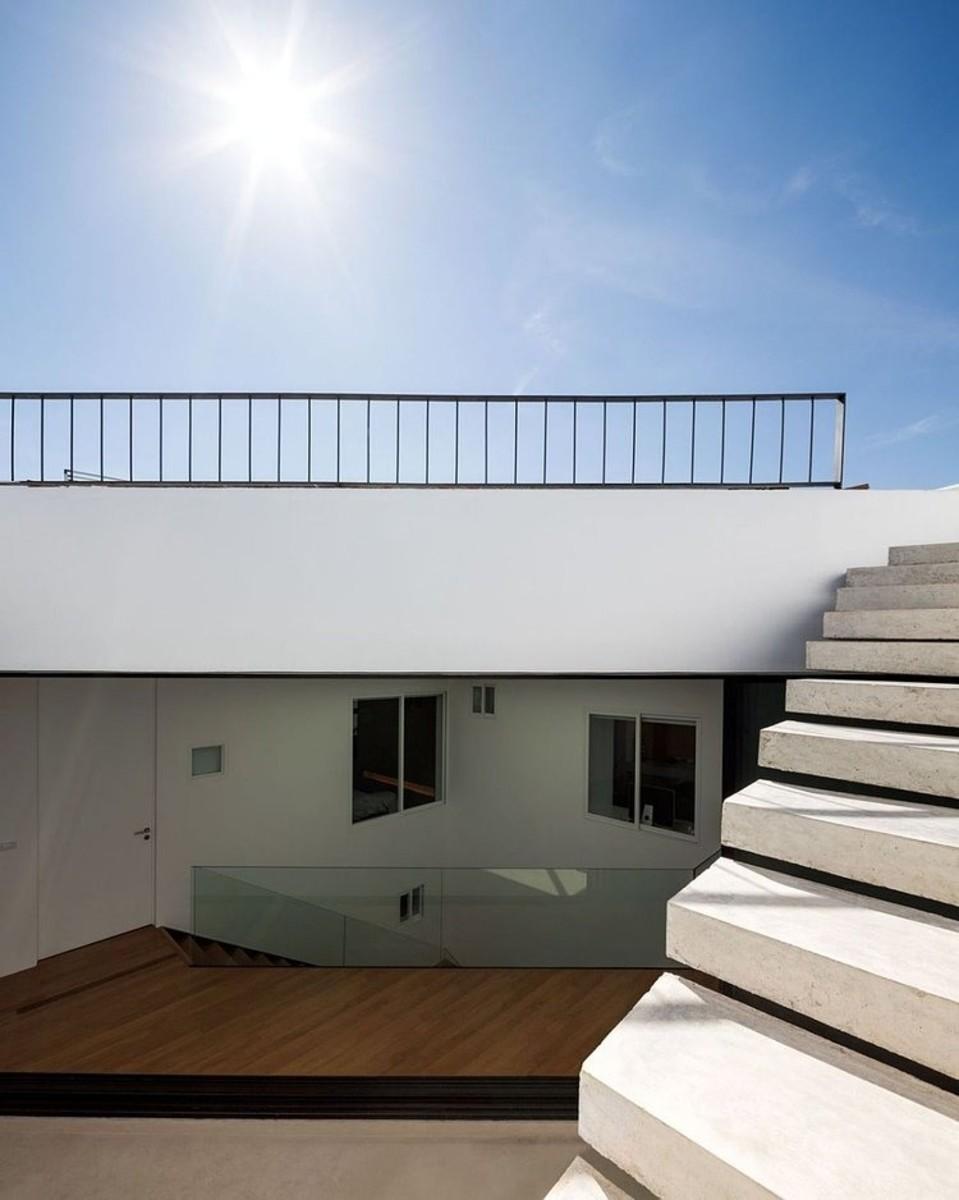 024-baan-moom-residence-integrated-field