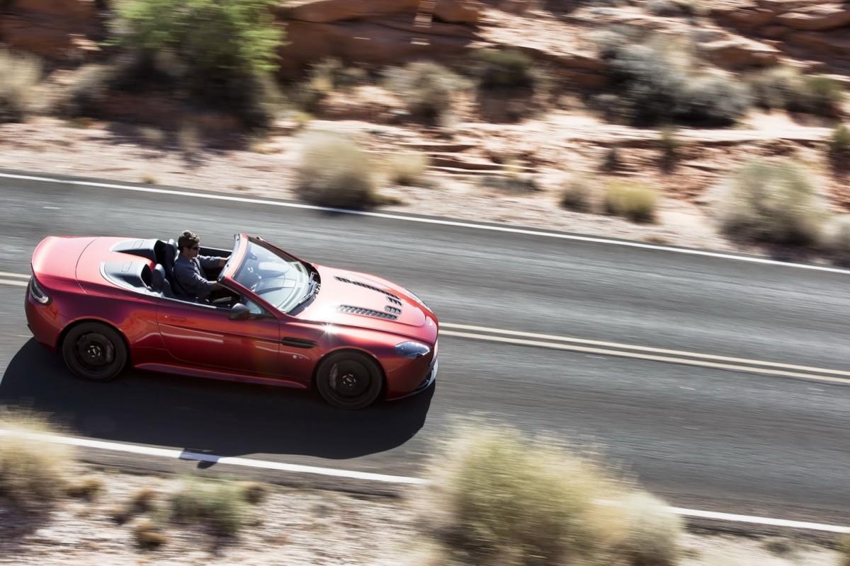Aston-Martin-Vantage-S-Roadster-1