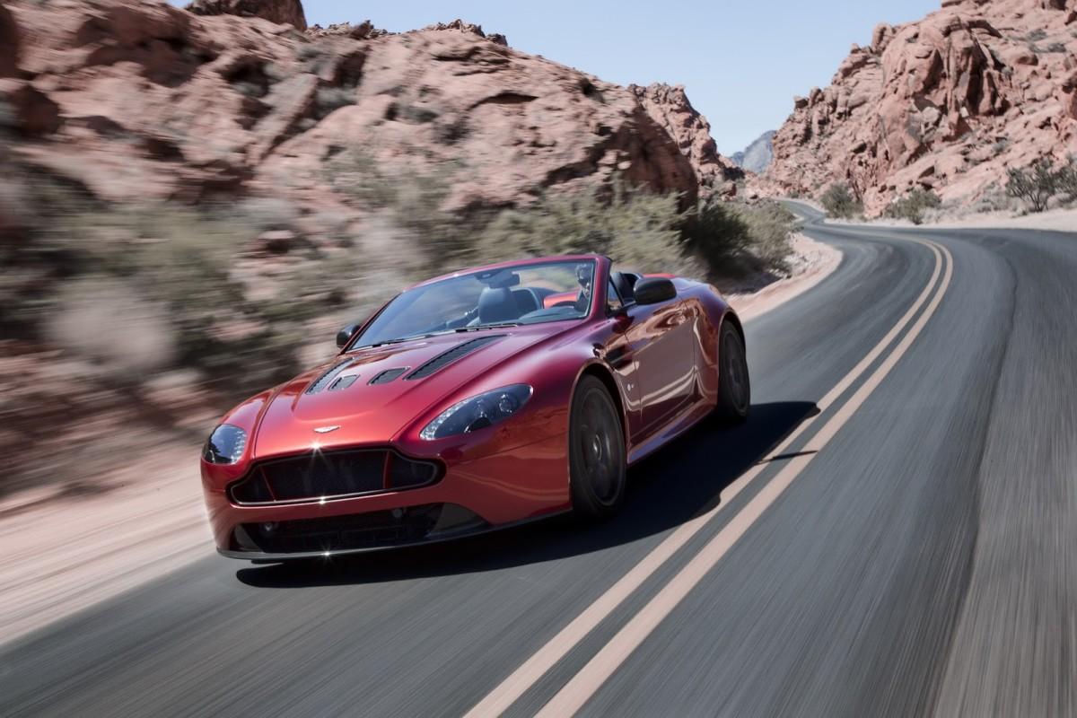 Aston-Martin-Vantage-S-Roadster-2