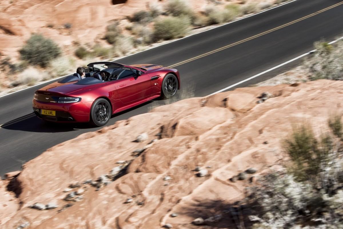 Aston-Martin-Vantage-S-Roadster-5