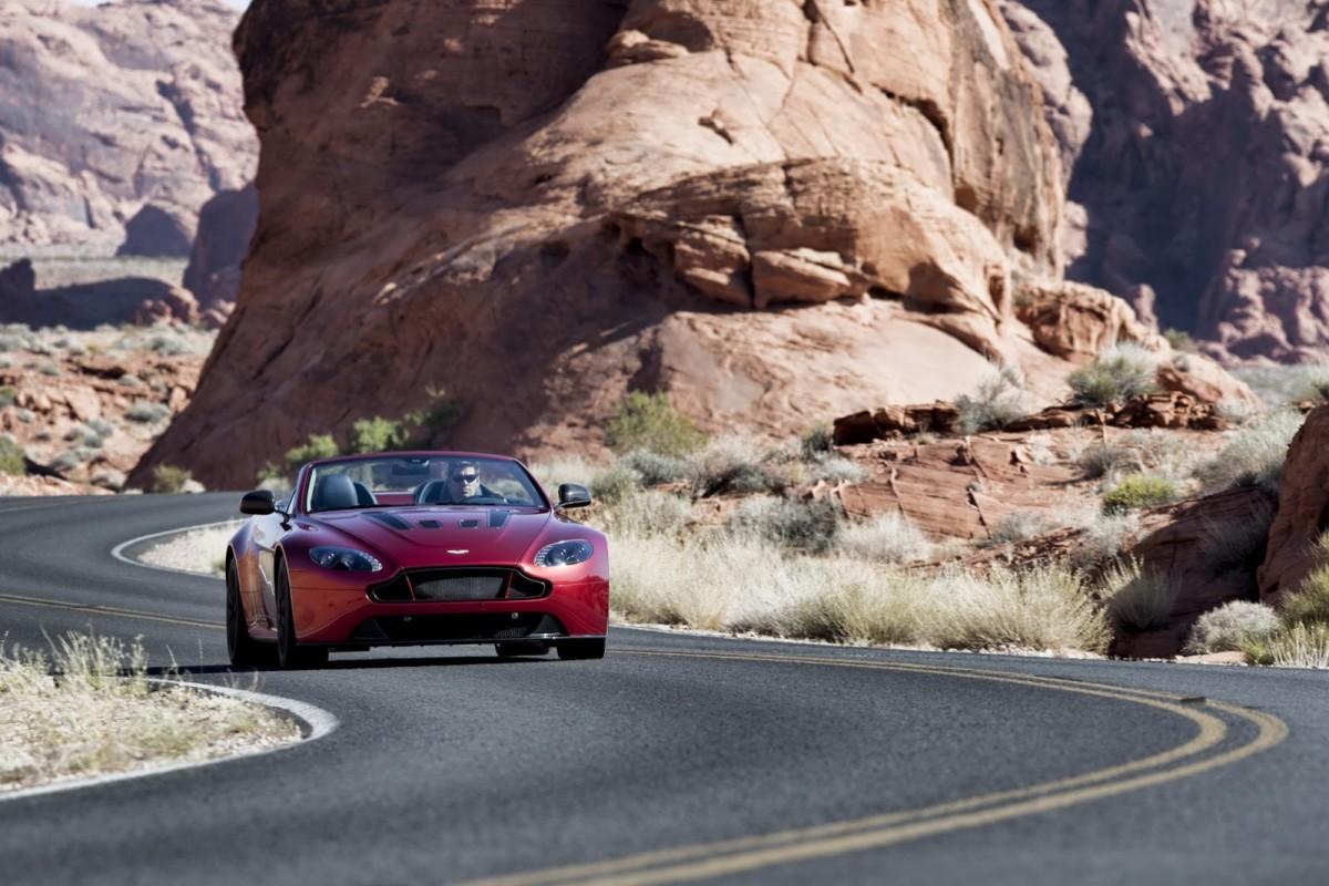 Aston-Martin-Vantage-S-Roadster-6