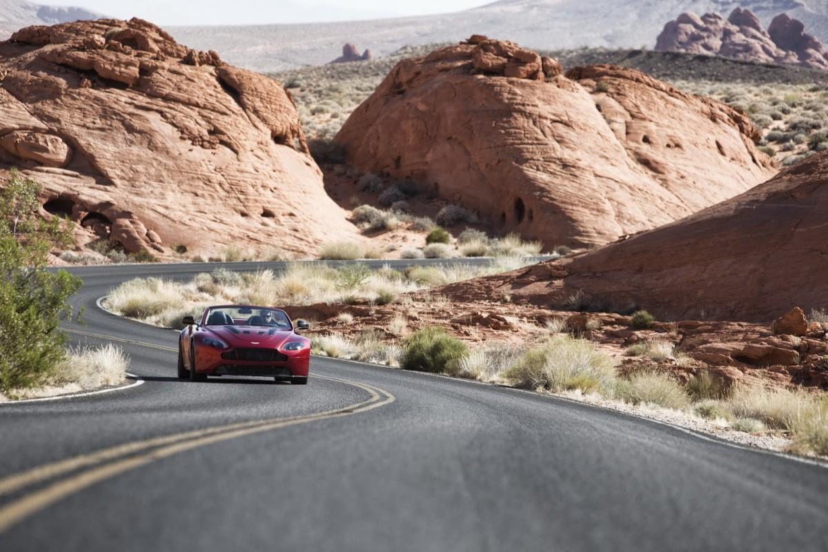 Aston-Martin-Vantage-S-Roadster-7
