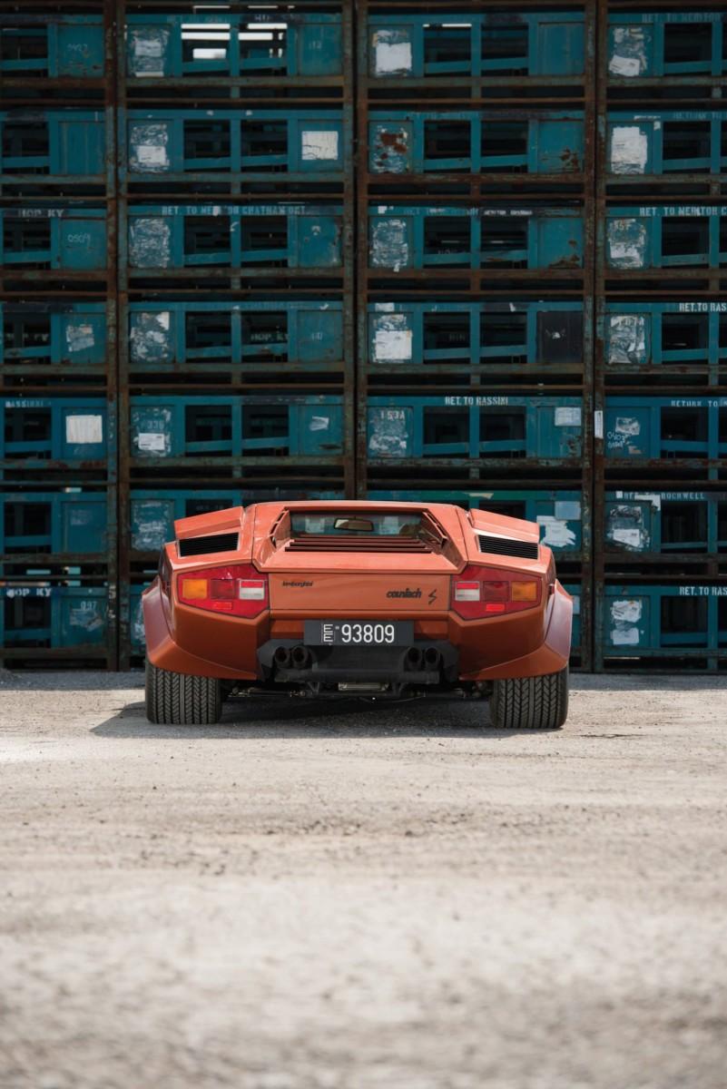 Lamborghini_Countach_LP400S_9-1480x2217