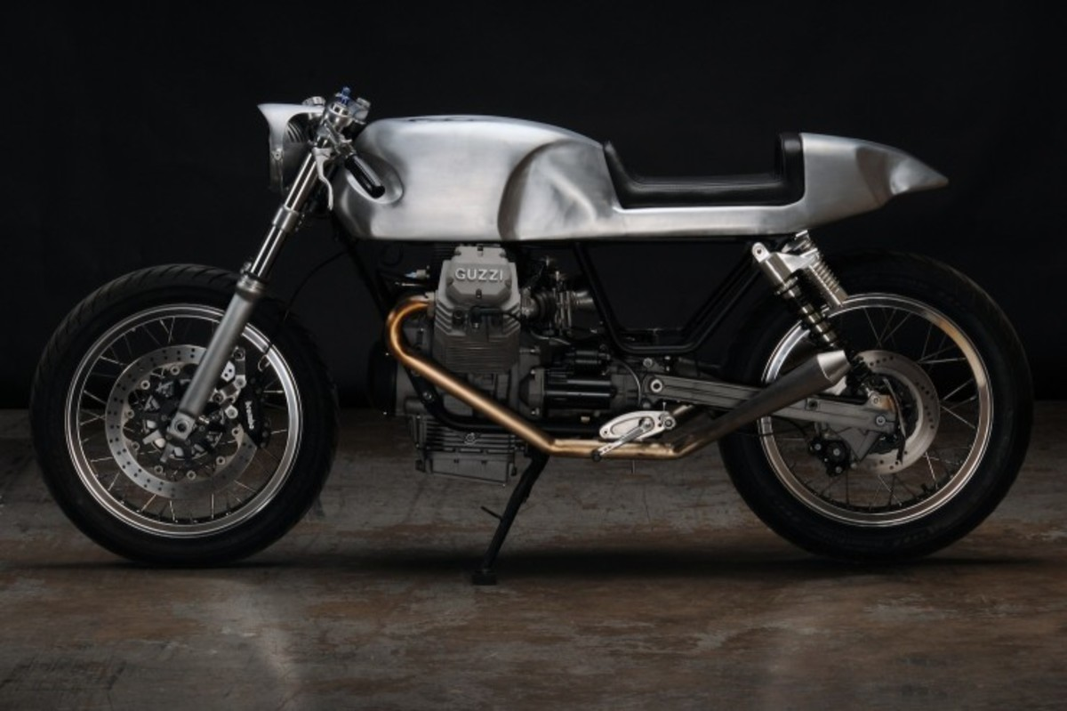 Moto-Guzzi-V7-Classic-Motorcycle-740x493