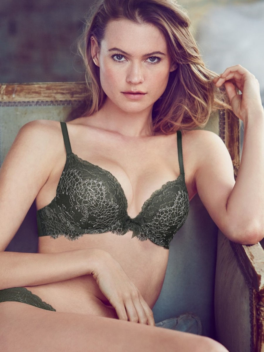 Behati Prinsloo Sexy Lingerie Jaw Dropped Airows
