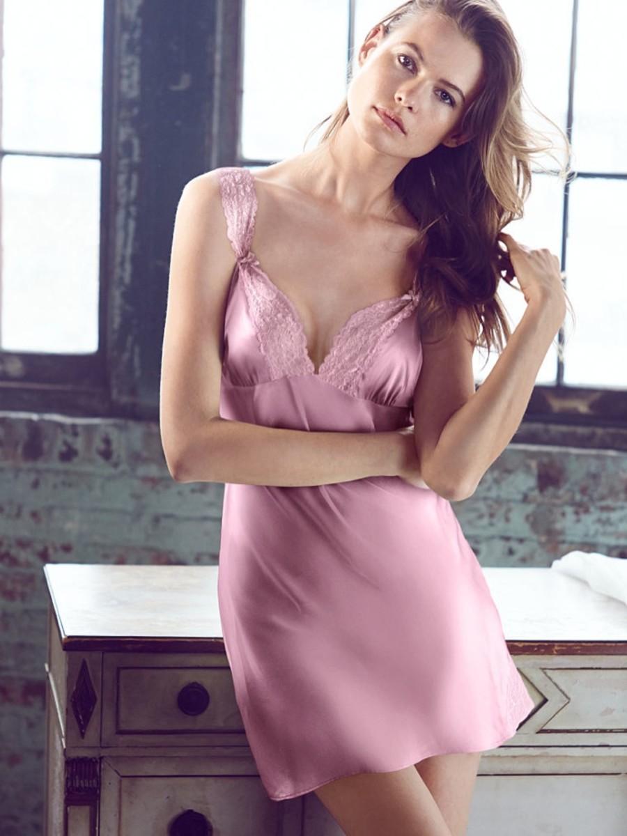 behati-prinsloo-lingerie-shoot15