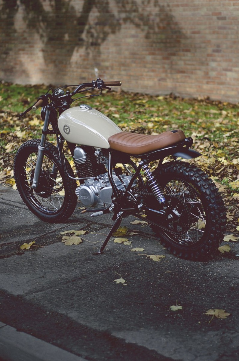 Yamaha-SR250-12-740x1117