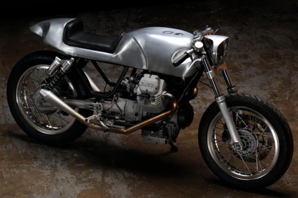 Moto-Guzzi-V7-Classic-Custom-740x491