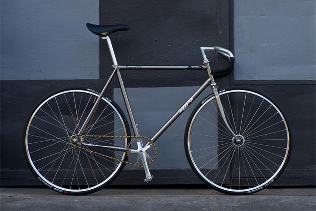 pony-bikes-toyo-1