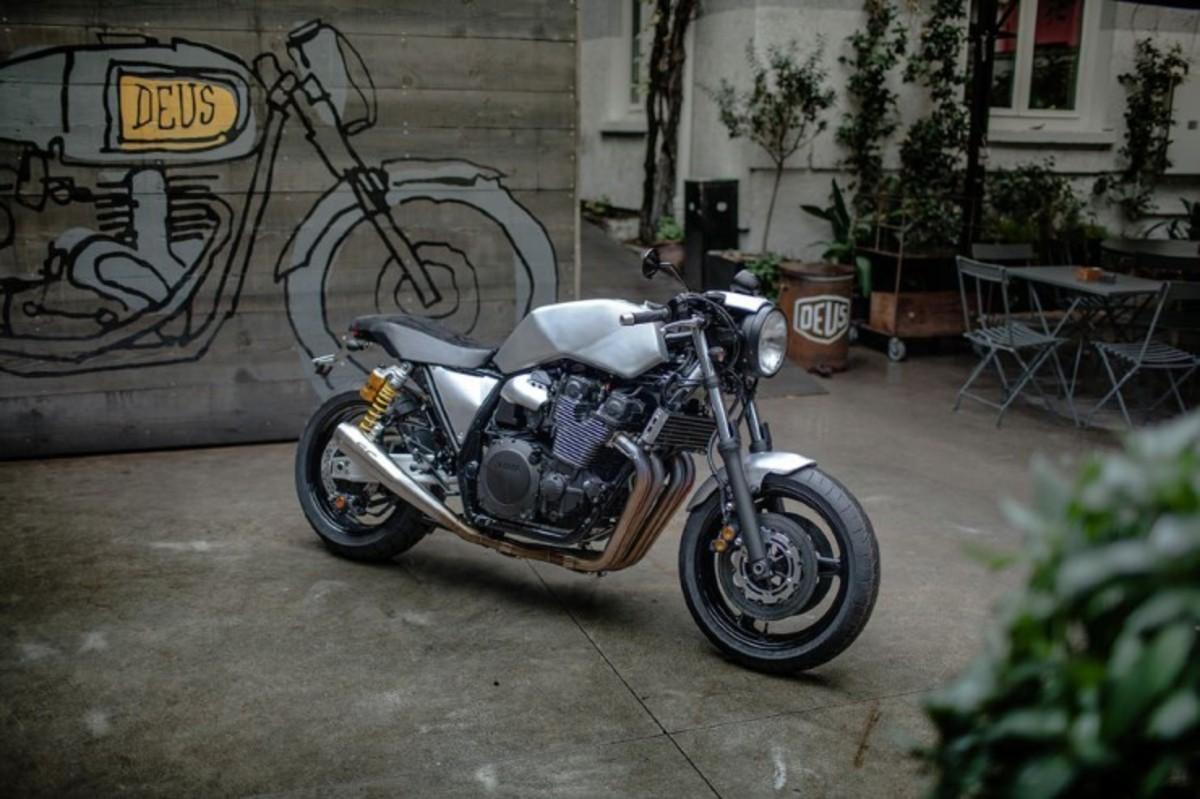 Yamaha-XJR1300-2-740x493