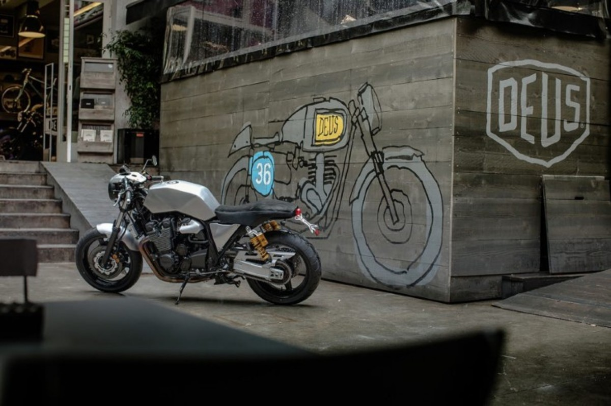 Yamaha-XJR1300-3-740x493