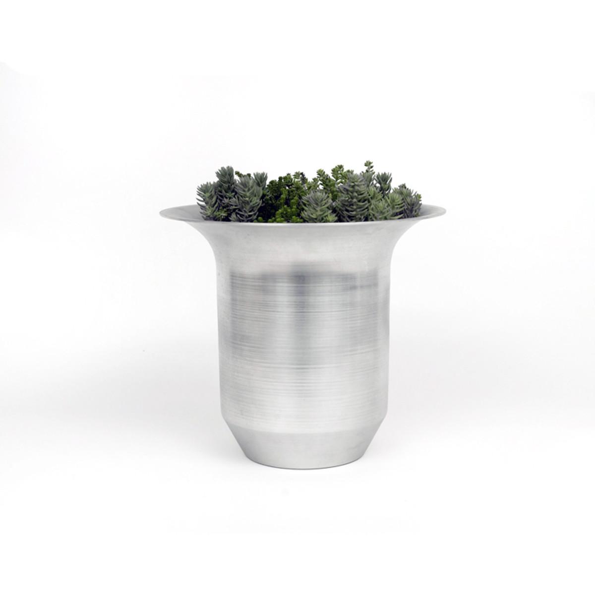 Spun-Metal-Planter-TRNK