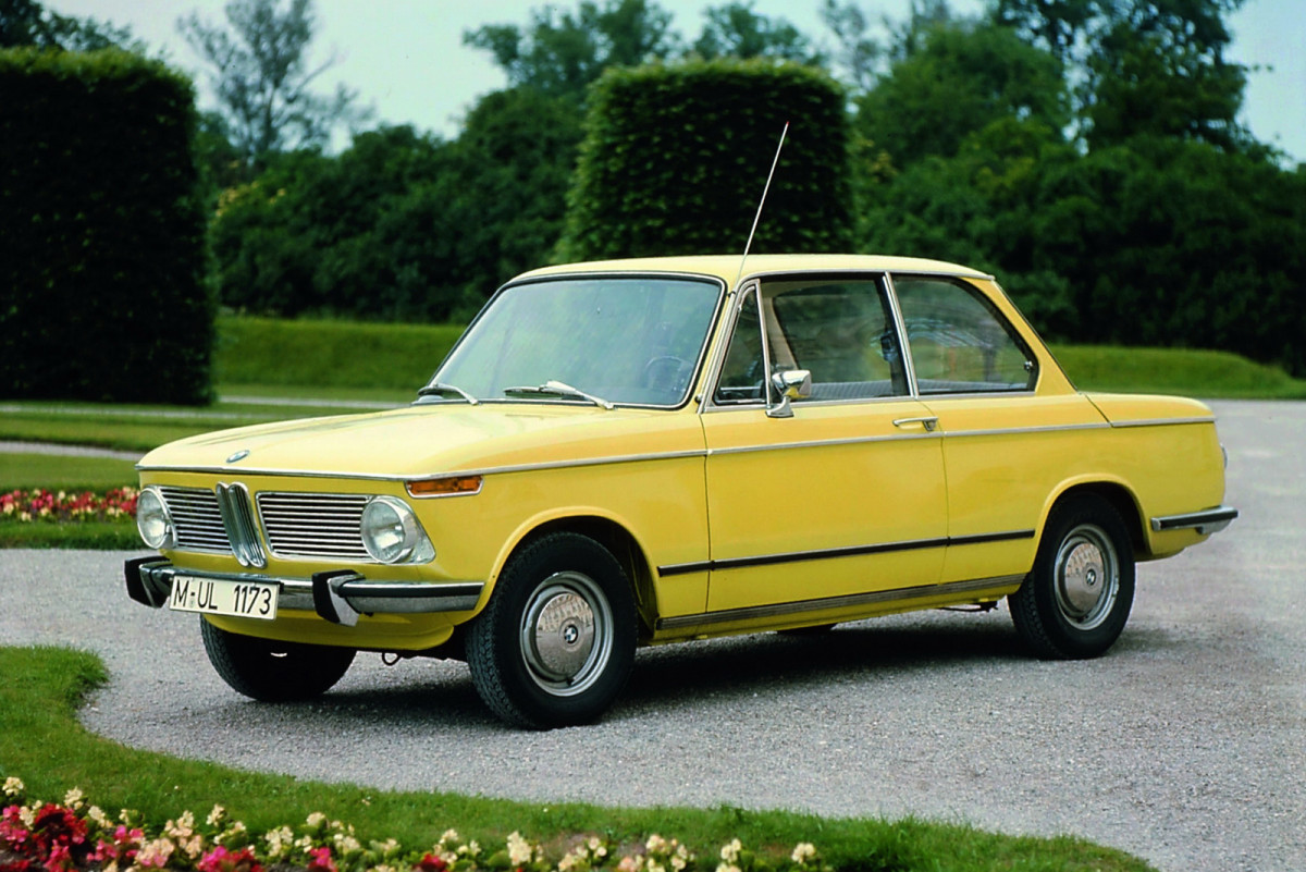 BMW-2002-73