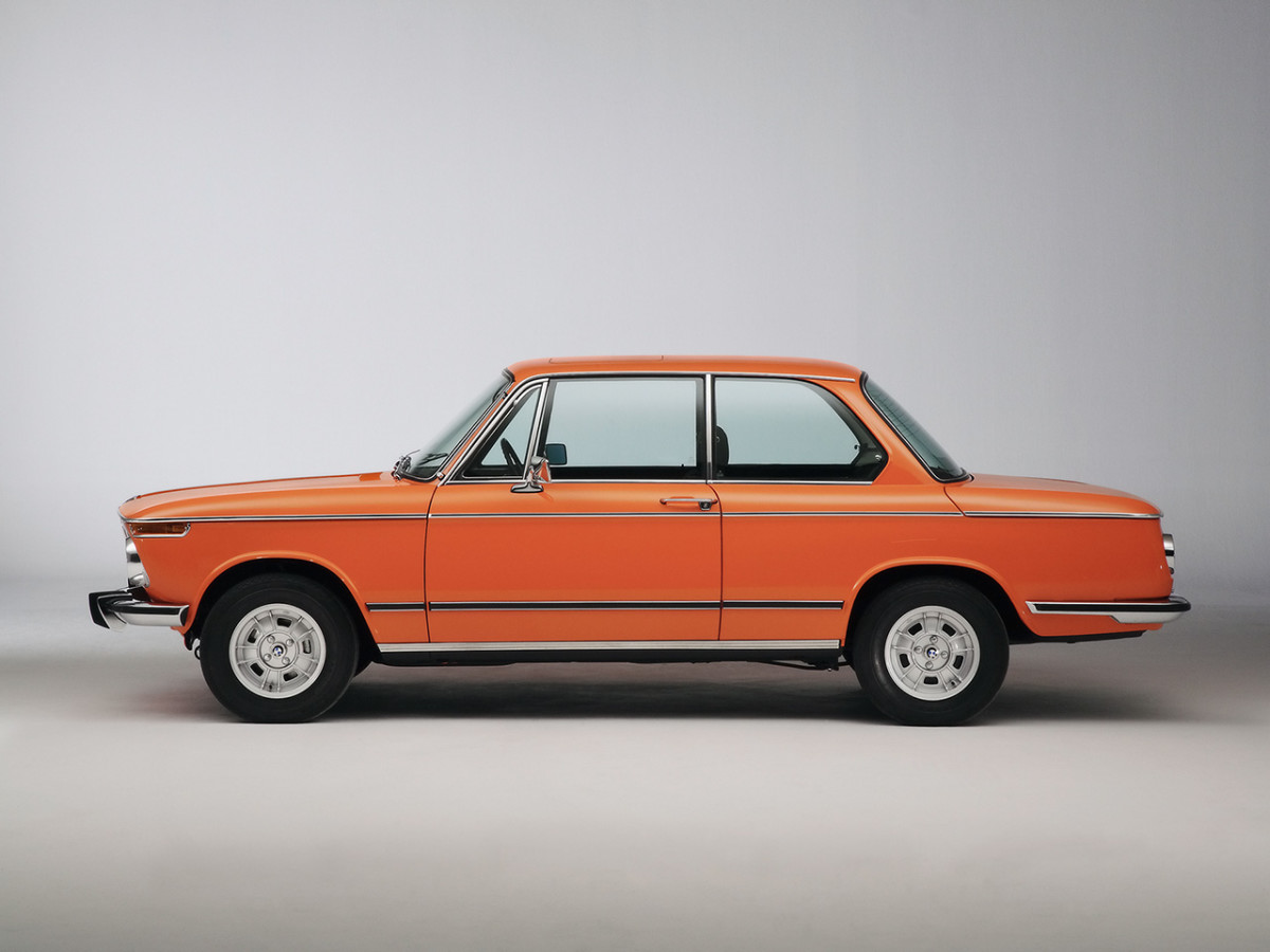 BMW-2002-tii-Reconstructed-Side-Studio-1280x960