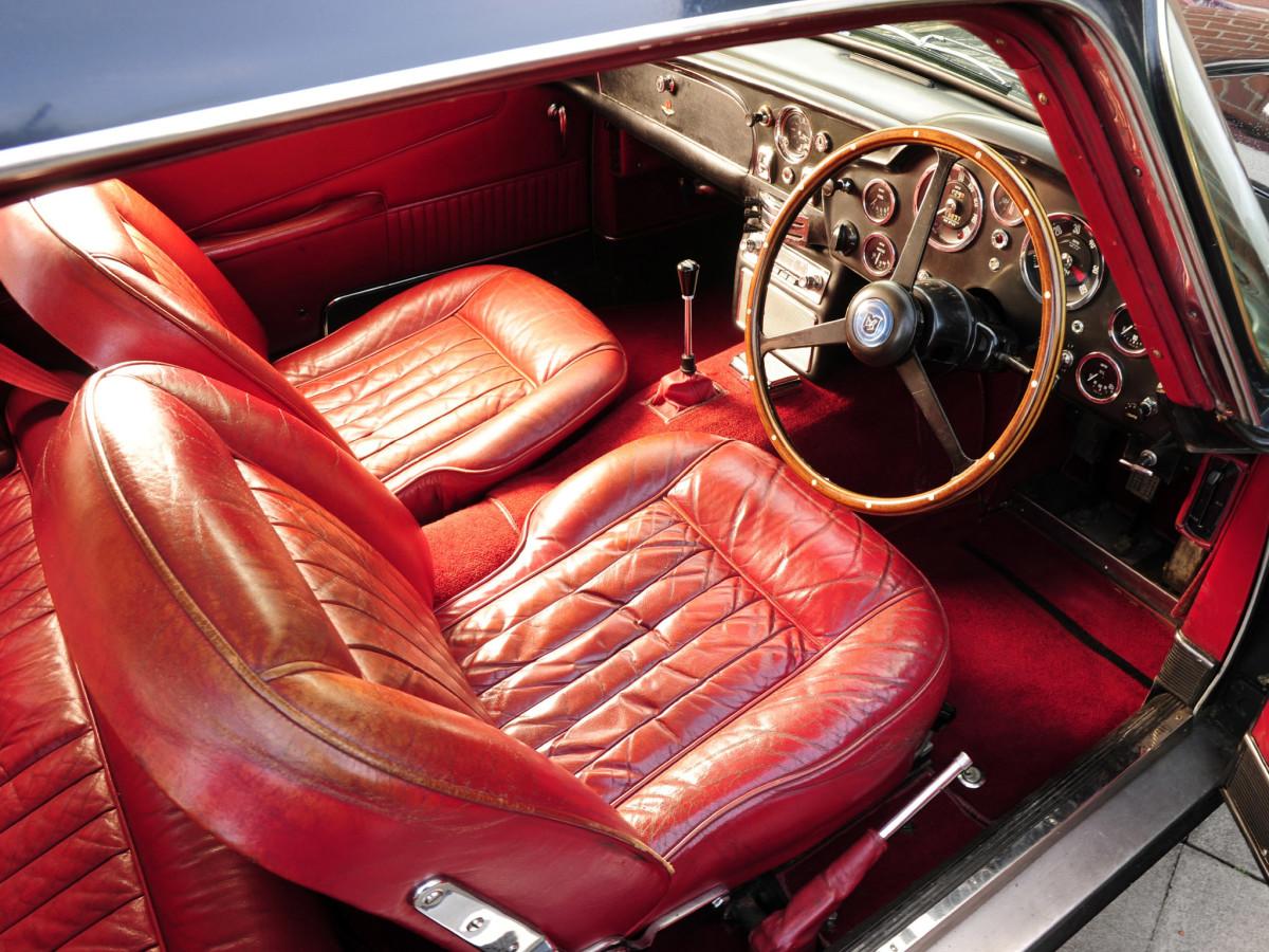 1965_Aston_Martin_DB5_Vantage_Shooting_Brake_by_Harold_Radford_010_2702