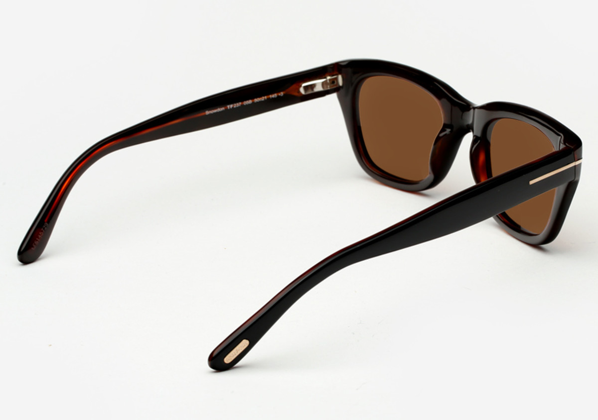 af2525354d5 Get It  James Bond s Custom Tom Ford Sunglasses From  Spectre  - Airows