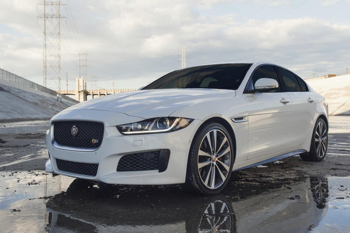 test driving jaguar 39 s perfect entry level luxury sedan airows. Black Bedroom Furniture Sets. Home Design Ideas