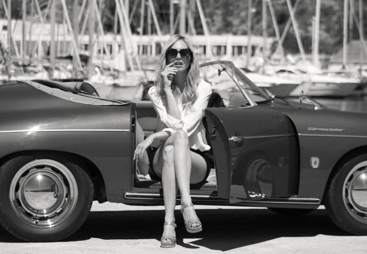 Few Better Combos Than A Porsche 356 Speedster And A Beautiful Girl - Airows-4344