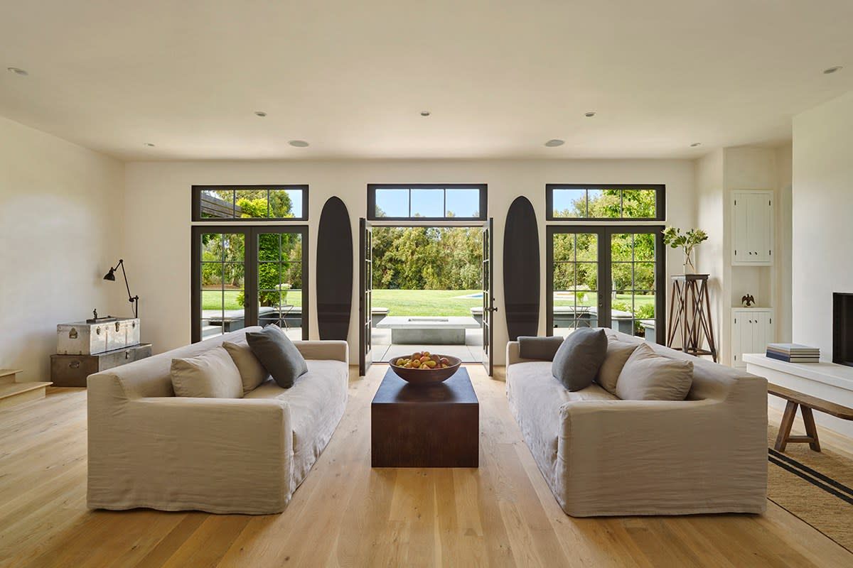 Inside James Perse S Magnificent Malibu Farmhouse Airows