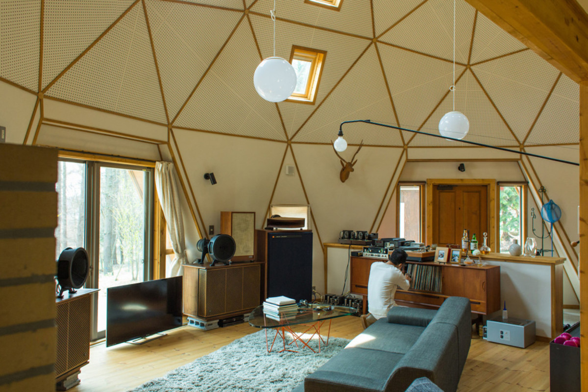 Japanese photographer mikio hasui has a mind blowing geometric dome cabin airows - Mindblowing interior design for luxury homes ...
