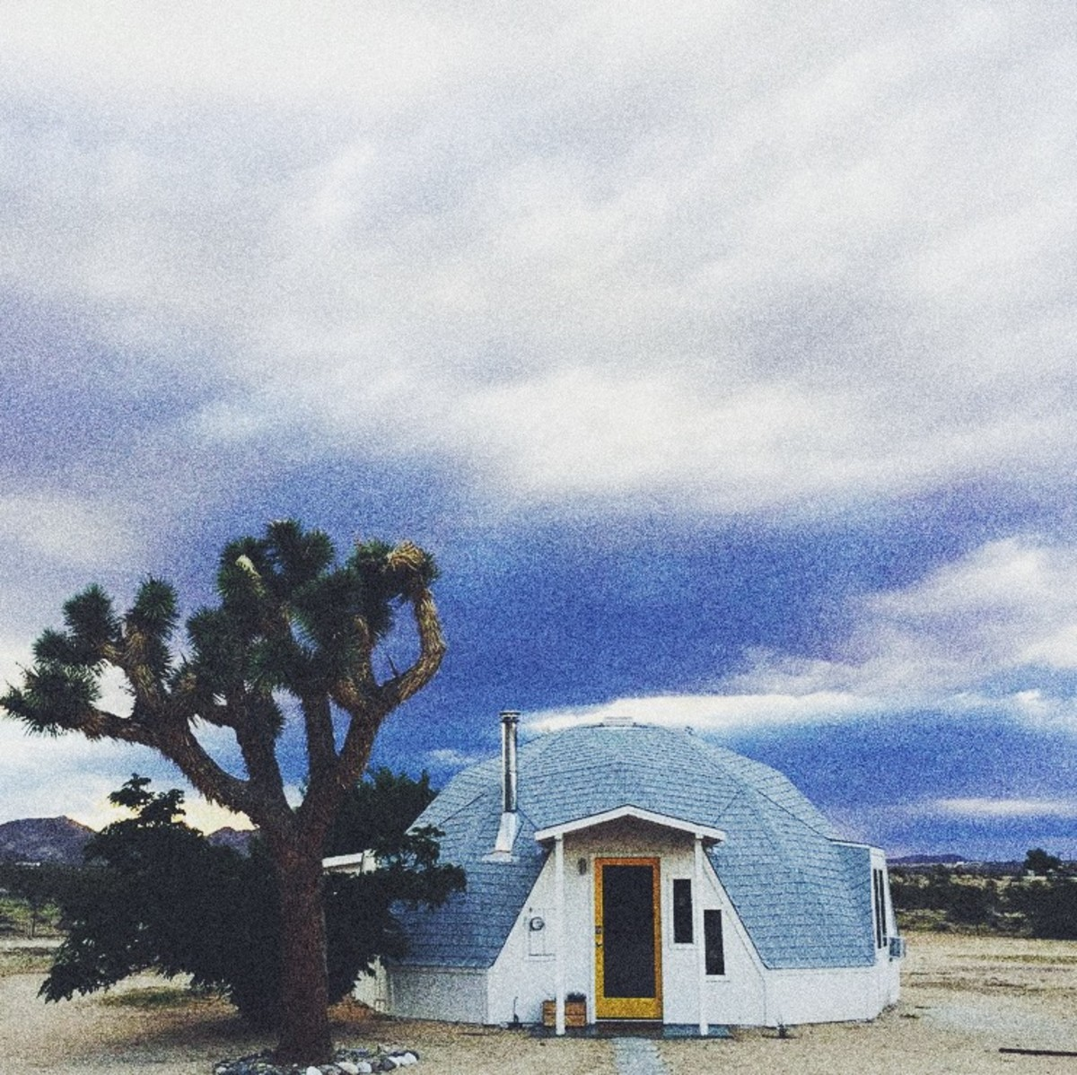 This Geodesic Dome House In Joshua Tree Is One Hell Of An Airbnb