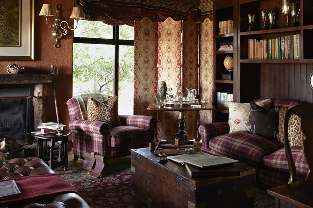 breathtaking old fashioned living room | Inside A Perfectly Designed Safari Lodge With Tons Of ...