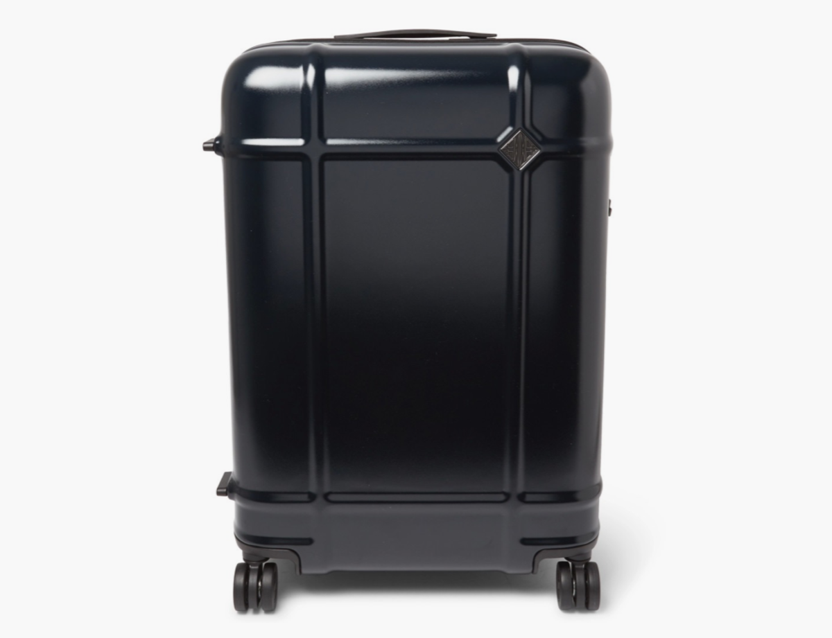 A french architect and italian luggage company teamed for for Fabbrica pelletteria milano